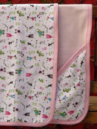 Alitas De Manteca (Bebés Y Chicos):        Estampado Carrousel Con Capucha