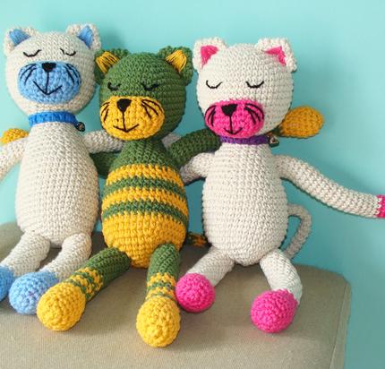 Bixti (Regalos Y Objetos De Diseño):        Gatos Dormilones Tejidos Al Crochet