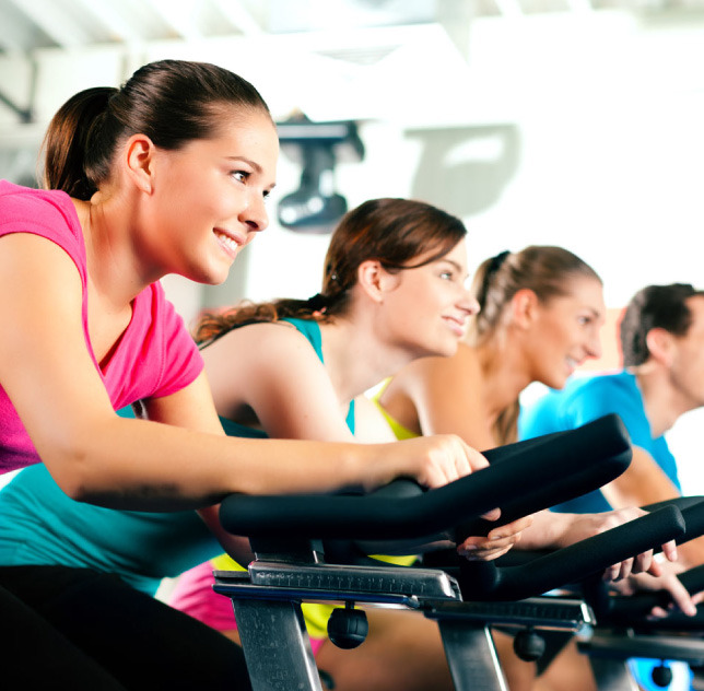 Gerbo Sport (Deportes Y Fitness):        Chicas Andando En Cinta De Gimnasio