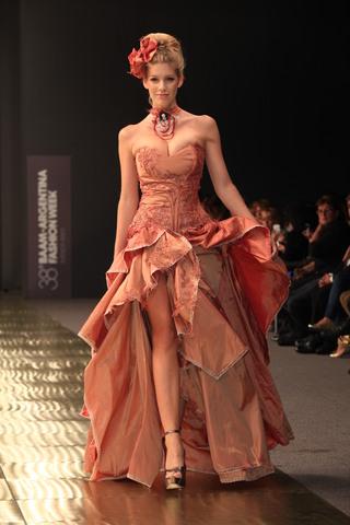 Jesica Kulesz (Indumentaria):        Vestido