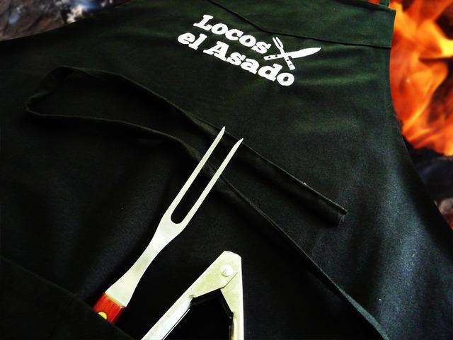 Locos X El Asado (Merchandising):        Delantal Parrillero Negro Locos X El Asado