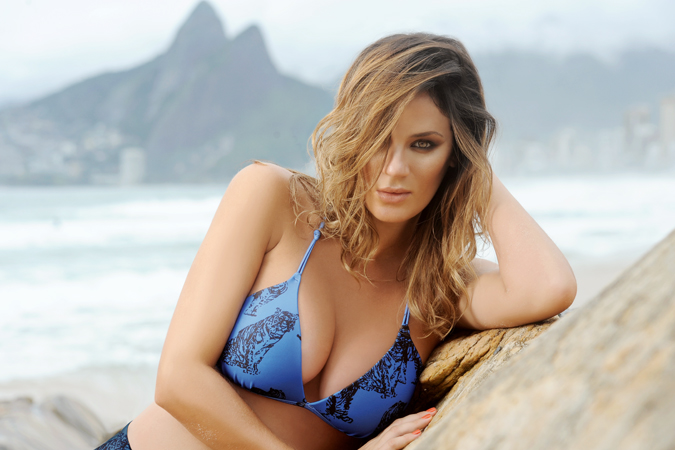 Luz De Mar (Bikinis Y Trajes De Baño):        Bikini Bar