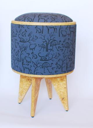 Pomada – Diseño Sustentable (Decoración, Bazar & Hogar):        Chupito Patas Azul Con Animalitos En Negro  Cod. Bpz02