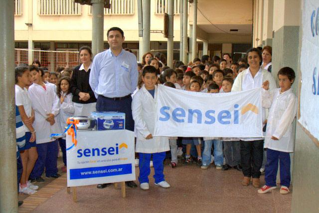 Sensei Hogar (Electro Y Tecnología):        Radio Grabador Para La Escuela Nº 141