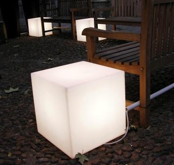 Stylo Llodra (Iluminación):        Cubo Luminoso