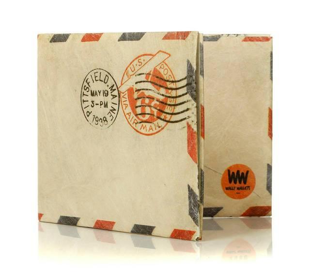 Wally Wallets (Regalos Y Objetos De Diseño):        Sobre Wallet