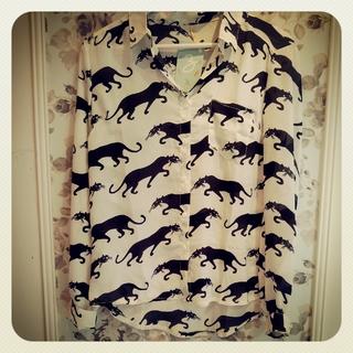 Zoom Indumentaria (Indumentaria):        Camisa Pumas
